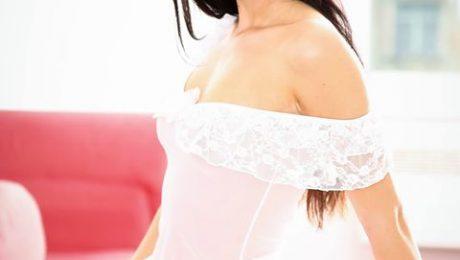 Selon une étude publiée dans Le Monde, 74 % des femmes disent éprouver facilement du plaisir   Allez, encore un effort et nous serons toutes comblées ...