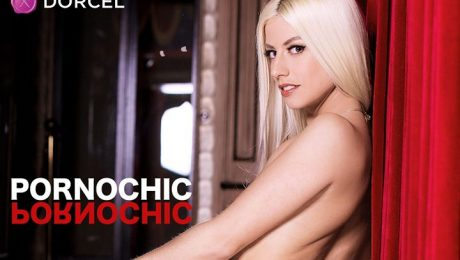 The US of A finally can taste the  #Pornochic effect! @dorcel made (French) waves yet again by making its way 2 an exclusive stunt on the largest US V...